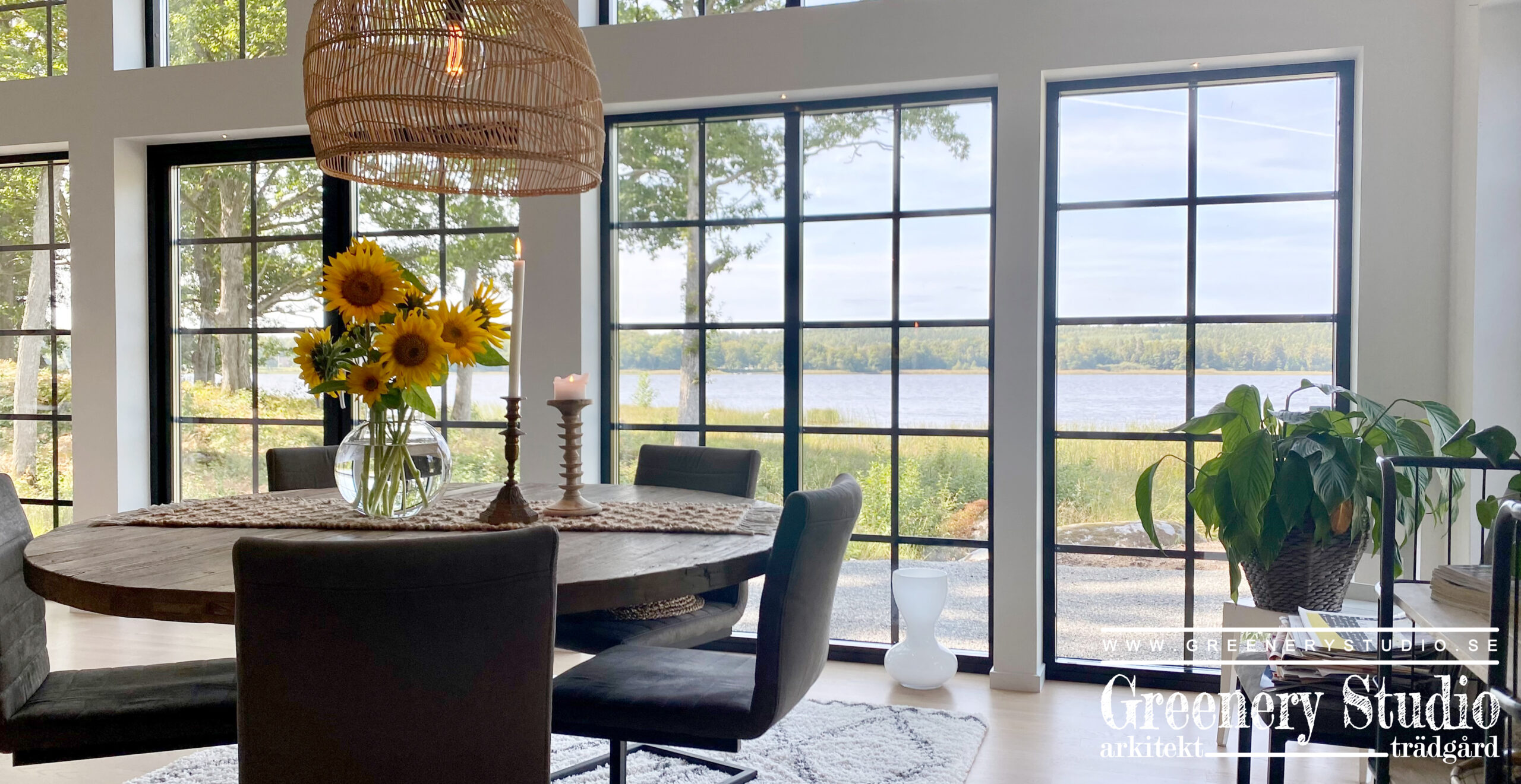 DINING ROOM WITH SEA VIEW 1